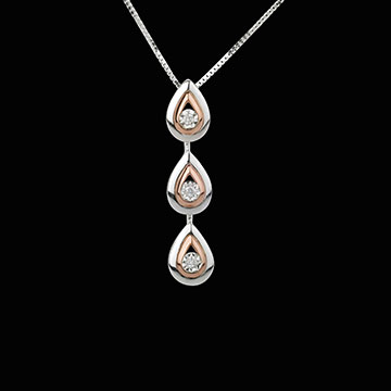 pink_gold_diamond_necklace