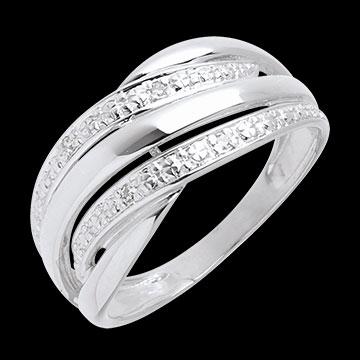 white_gold_diamond_ring